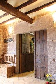 puerta_txoko_desde_la_entrada_hostal_rural_ioar_1519729271.jpg