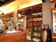 Traspaso Tienda con encanto, especializada en Jamones, Quesos, Vinos... (sabores de antaño)