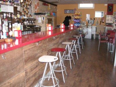 Bar en zona inmejorable de el vendrell traspaso de - Muebles en el vendrell ...