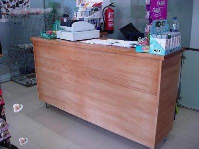 Mostradores tiendas de madera mostradores holidays oo - Mostradores de madera para negocios ...