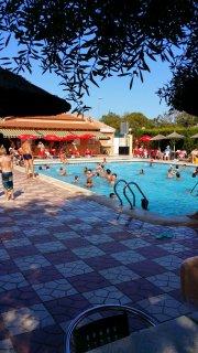 restaurante piscina polideportivo