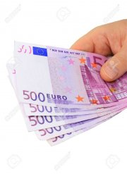 1050187_male_hand_holding_five_500_euro_notes_isolated_on_white_1557357267.jpg