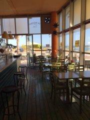 Restaurant-Cafeteria en Primera linea de mar.