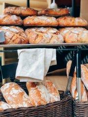 Se vende obrador Panadería Pastelería con un buen fondo de comercio
