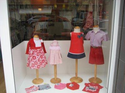 Mobiliario tienda ropa traspaso de negocios de mobiliario tienda ropa valencia valencia - Mobiliario infantil valencia ...
